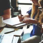 Quels débouchés après une licence en marketing et communication digitale ?