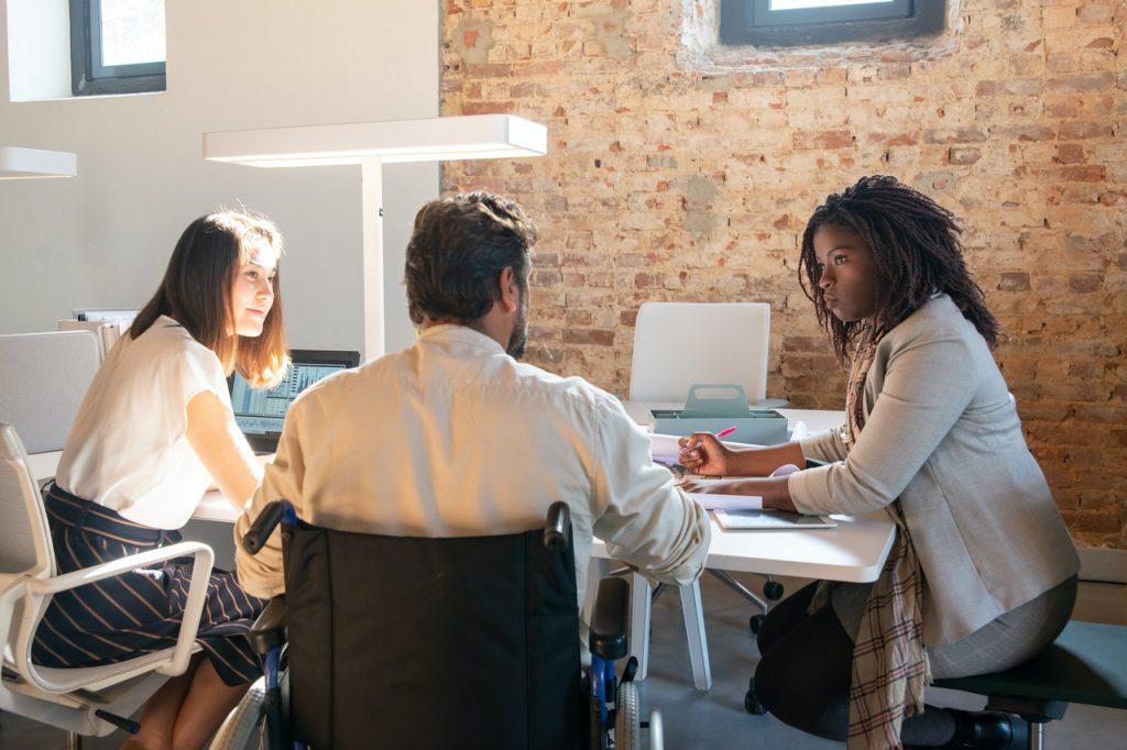 Compétences requises pour devenir un bon assistant marketing