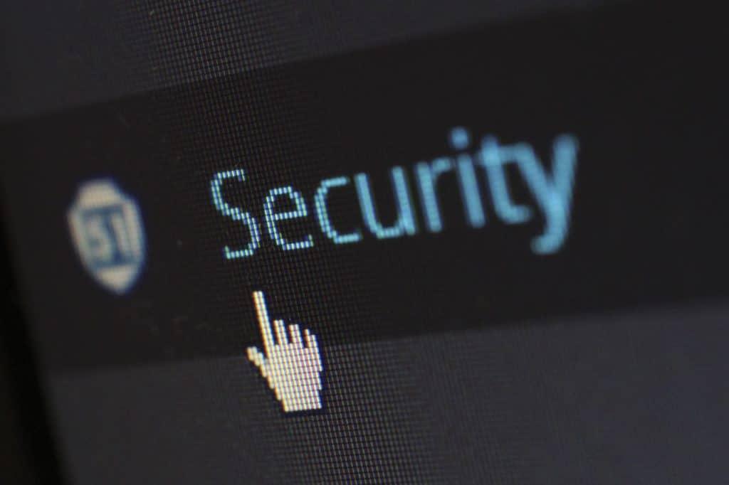 https://www.pexels.com/fr-fr/photo/logo-de-securite-60504/